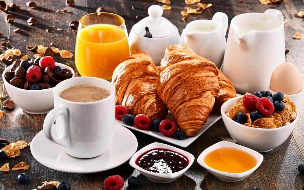 La colazione in albergo