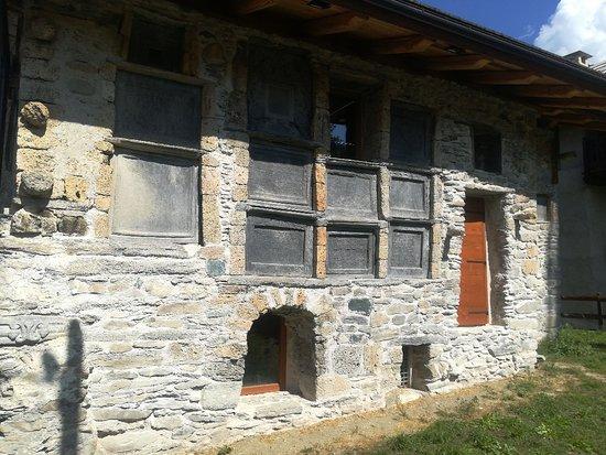 Mistero in Val di Susa: la Casa delle Lapidi